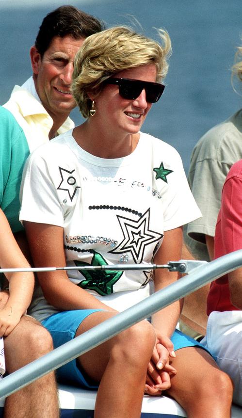 Lady Diana'nın Hafızalardan Silinmeyecek Günlük Kombinleri