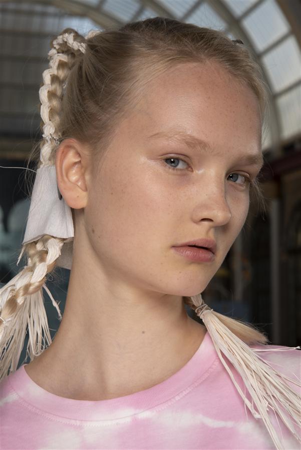 Londra Moda Haftası Podyumlarında Örgü Trendi