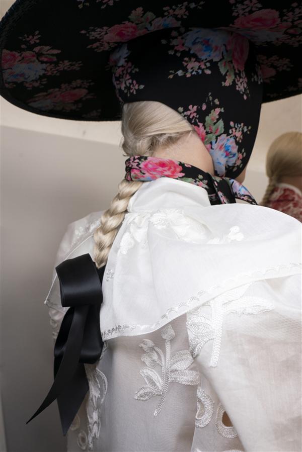 Londra Moda Haftası Podyumlarında Örgü Trendi - Londra Moda Haftası Podyumlarında Örgü Trendi