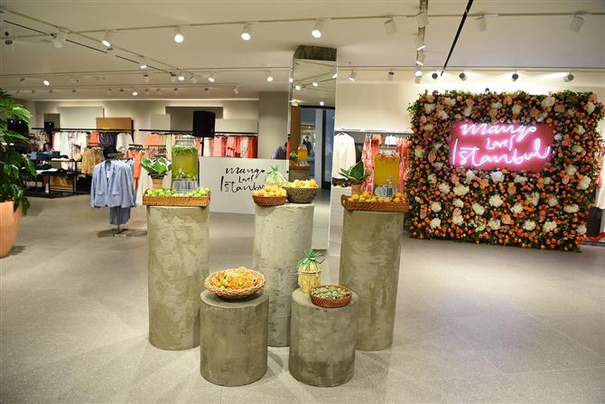 Mango, Akmerkez'deki Yeni Mağazasıyla Sizlerle - Mango, Akmerkez'deki Yeni Mağazasıyla Sizlerle