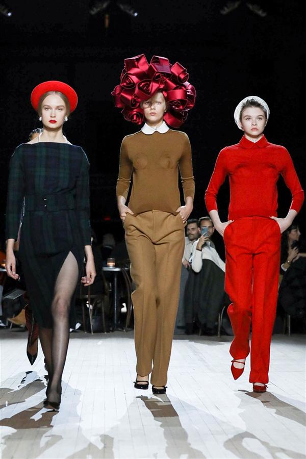 Marc Jacobs Sonbahar/Kış 2020 Defilesi Büyüledi - Marc Jacobs Sonbahar/Kış 2020 Defilesi Büyüledi