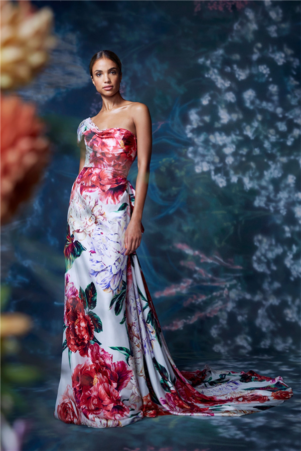 Marchesa 2021 İlkbahar/Yaz Koleksiyonunun Büyüleyen Gece Elbiseleri - Marchesa 2021 İlkbahar/Yaz Koleksiyonunun Büyüleyen Gece Elbiseleri