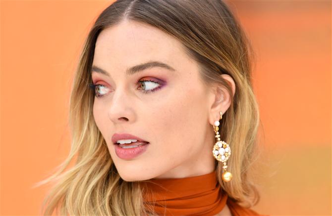 Margot Robbie'nin Büyüleyici Prömiyer Görünümü