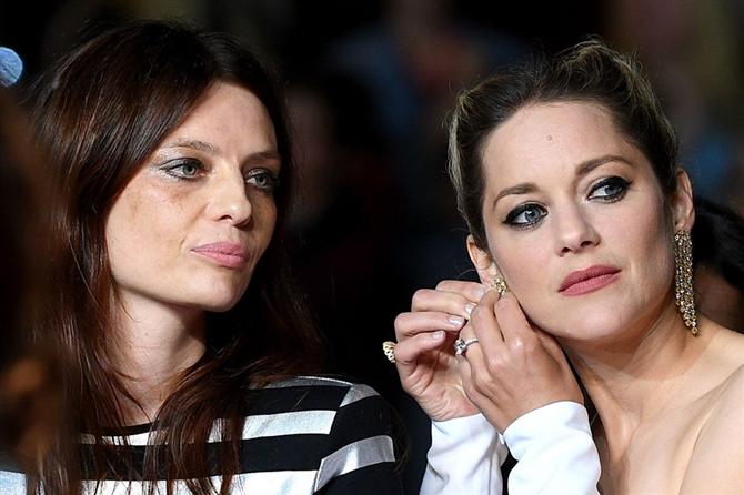 Marion Cotillard Şıklığıyla Göz Kamaştırdı - Marion Cotillard'ın Cannes Şıklığı