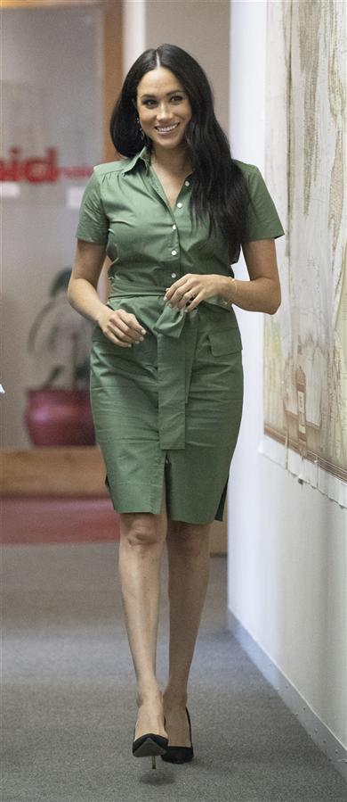 Meghan Markle'ın Son Zamanlarda Favorisi: Gömlek Elbiseler