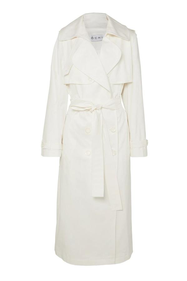 Beyaz Palto - Meghan Markle'ın Stiline Ulaşmak İçin Edinmeniz Gereken 10 Parça