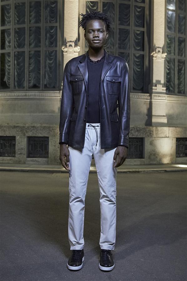 Milano Digital Fashion Week'in Tek Türk Tasarımcısı Serdar Uzuntaş Oldu - Milano Digital Fashion Week'in Tek Türk Tasarımcısı Serdar Uzuntaş Oldu
