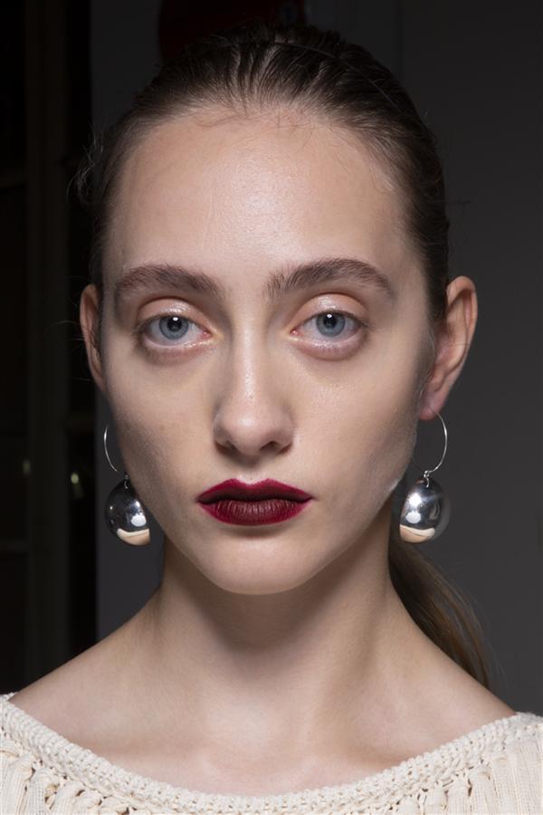 Milano Moda Haftası'nın Hafızalara Kazınan Güzellik Görünümleri