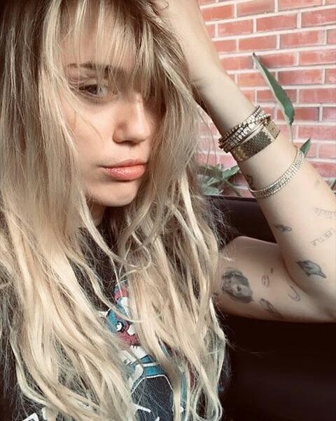 Miley Cyrus Hannah Montana Stiline Geri Döndü!