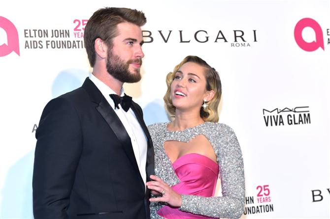 Miley Cyrus ve Liam Hemsworth Evlendi
