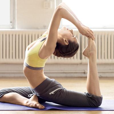 Miley Cyrus`un sırrı yoga