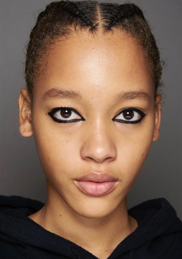 Moda Haftası Radarından 2021 Yazının Öne Çıkacak Makyaj Görünümleri - Moda Haftası Radarından 2021 Yazının Öne Çıkacak Makyaj Görünümleri