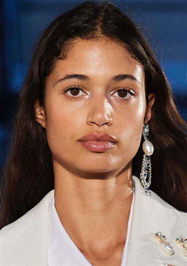 Moda Haftası Radarından 2021 Yazının Öne Çıkacak Makyaj Görünümleri