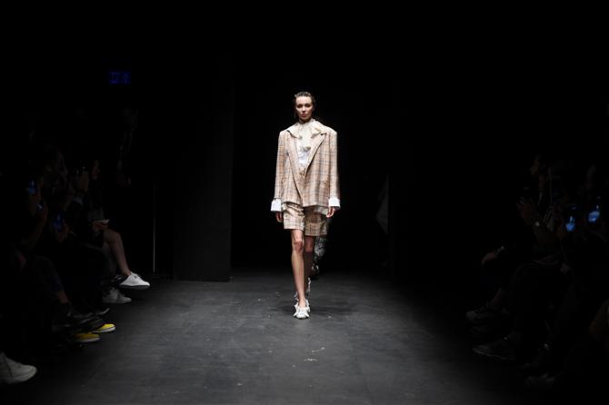 Moda Haftası'nı Tasarımcı Natalie Kolyozyan Açtı - Moda Haftası'nı Tasarımcı Natalie Kolyozyan Açtı