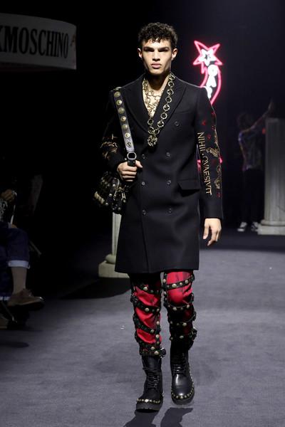 Moschino 2019 Pre-Fall Koleksiyonundan Öne Çıkanlar