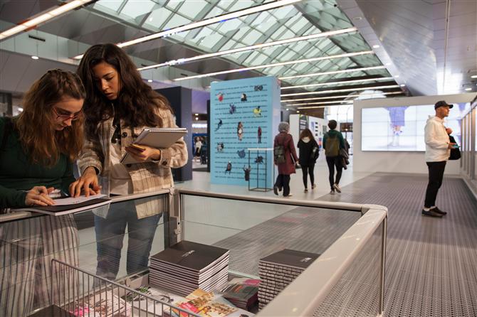 New Gen Tasarımcılarının Koleksiyonları Türkiye Tasarım Haftası'nda - New Gen Tasarımcılarının Koleksiyonları Türkiye Tasarım Haftası'nda