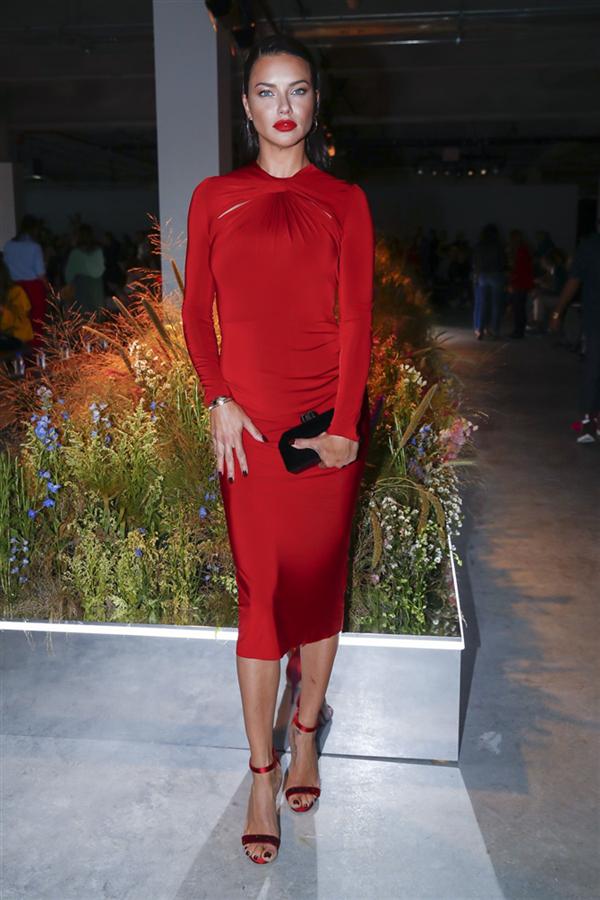 Adriana Lima - New York Moda Haftası Defilelerine Damga Vuran Ünlü ve Şık Davetliler