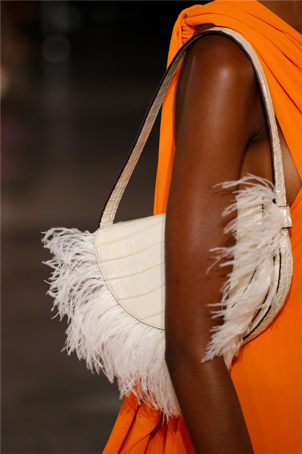New York Moda Haftası İlkbahar 2020'den En İyi Çanta Tasarımları