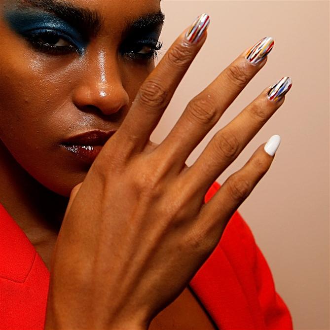 New York Moda Haftası İlkbahar 2020'nin Öne Çıkan Nail Art Görünümleri