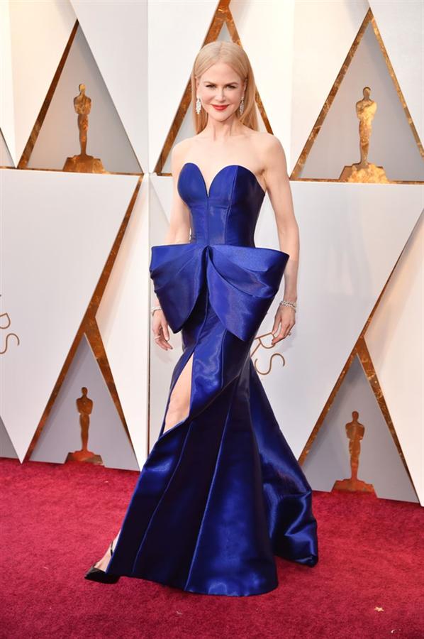 Nicole Kidman Hayatını Değiştiren Elbiseyi Anlatıyor