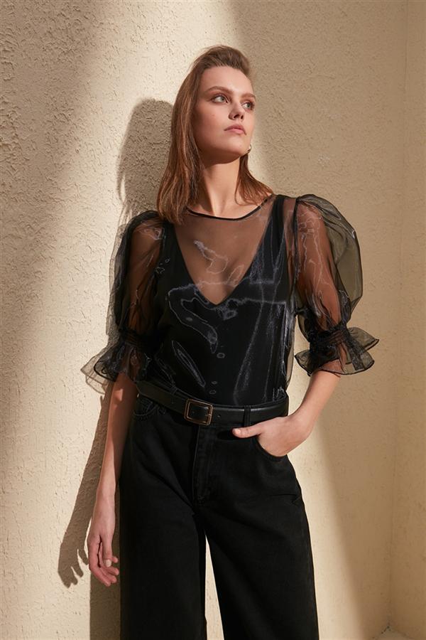 Organze Bluz Modelleriyle Tarzınızı Ortaya Koyun - Organze Bluz Modelleriyle Tarzınızı Ortaya Koyun