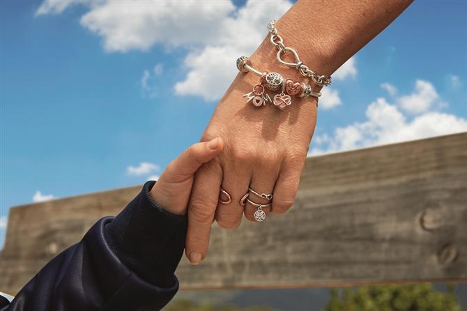 Pandora Anneler Günü'nde En Güçlü Sevgi Bağını Kutluyor - Pandora Anneler Günü'nde En Güçlü Sevgi Bağını Kutluyor