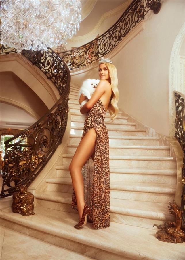 Paris Hilton'dan Yeni Koleksiyon