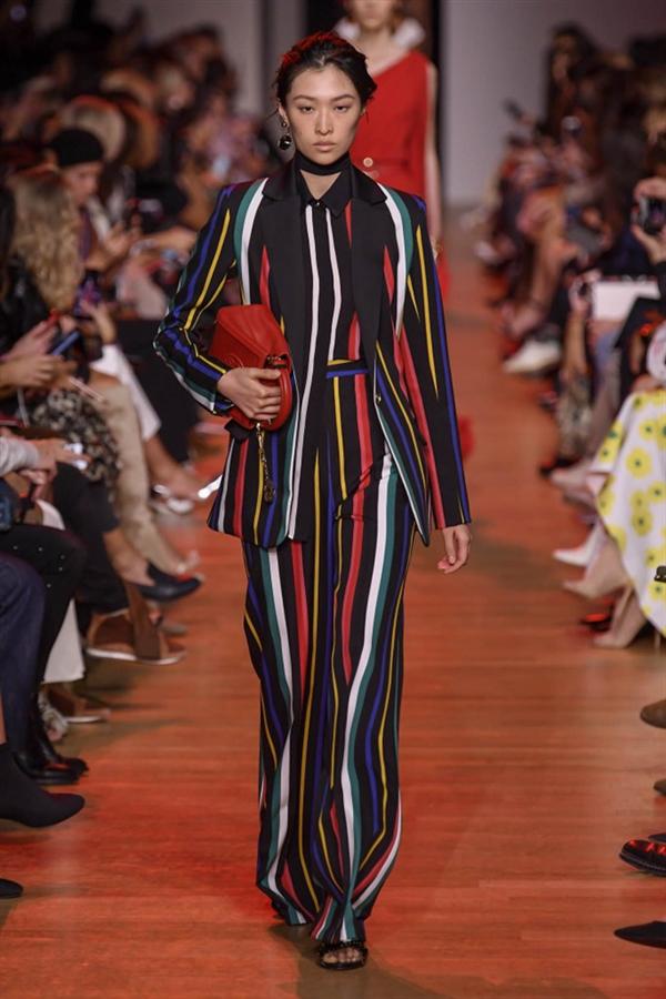 Paris Moda Haftası: Elie Saab 2019 Bahar