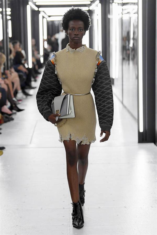 Paris Moda Haftası: Louis Vuitton İlkbahar/Yaz 2019 - Paris Moda Haftası: Louis Vuitton İlkbahar/Yaz 2019