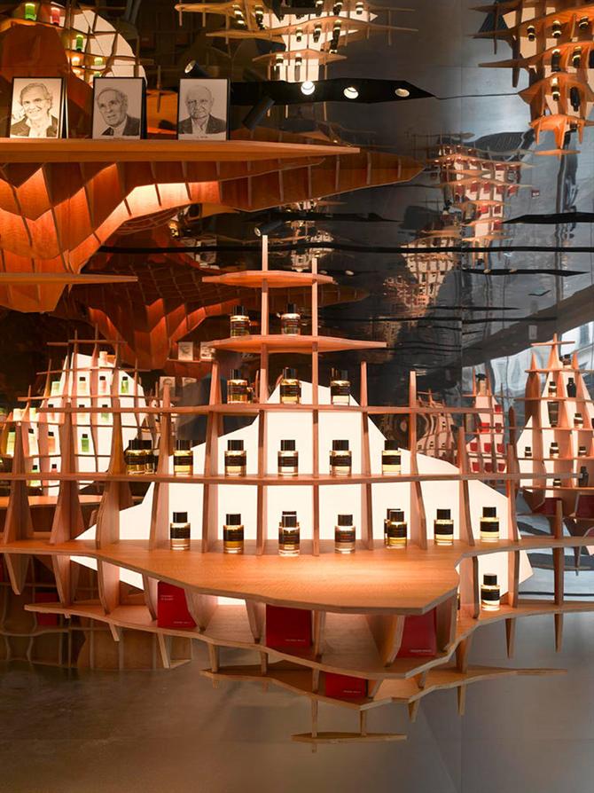 Paris Parfüm Mağazasının İnanılmaz İç Mekan Tasarımı
