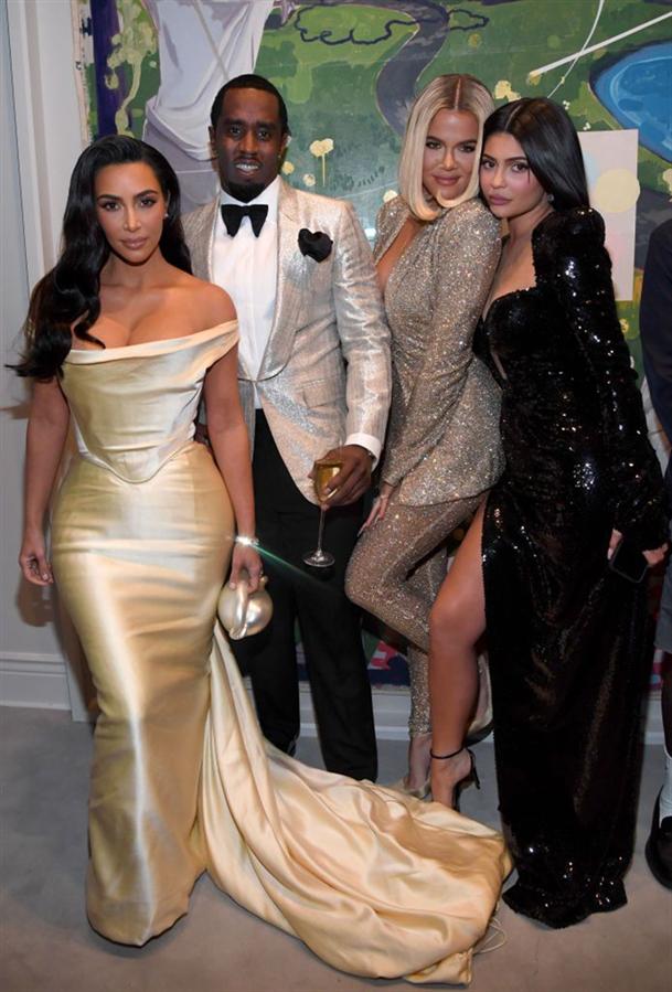 P.Diddy'nin 50. Yaş Günü Partisine Kardashian Kadınları Damga Vurdu - P.Diddy'nin 50. Yaş Günü Partisine Kardashian Kadınları Damga Vurdu