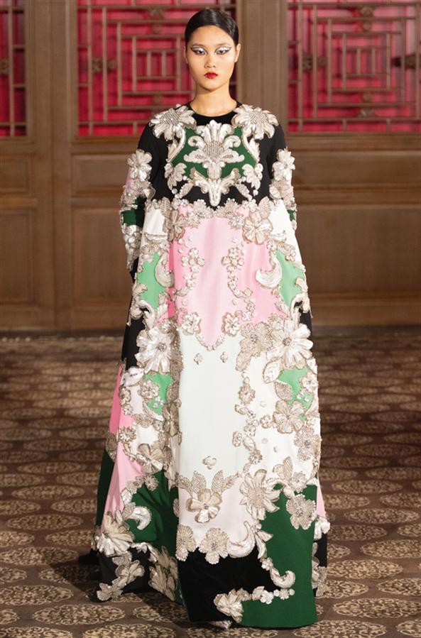 Pekin'de Gerçekleşen Valentino Haute Couture Defilesi Büyüledi - Pekin'de Gerçekleşen Valentino Haute Couture Defilesi Büyüledi