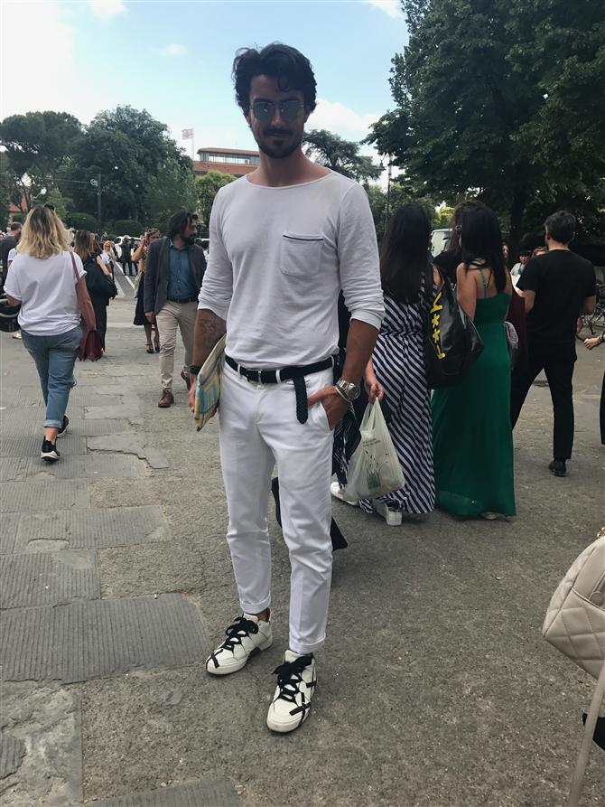 Pitti Uomo'da Dikkat Çeken Görünümler