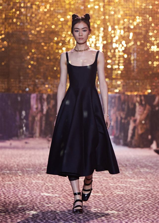 Pop Estetiğini Kutlayan Koleksiyon: Dior Pre-Fall 2021