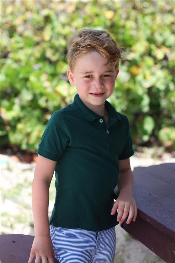 Prens George'un Doğum Gününe Özel Kareleri - Prens George'un Doğum Gününe Özel Kareleri