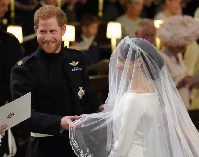 Prens Harry ve Meghan Markle Hediyeleri İade Etti