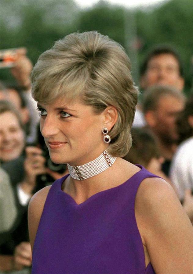 Prenses Diana'nın Kraliyet Kurallarına Aykırı 6 Görünümü - Prenses Diana'nın Kraliyet Kurallarına Aykırı 6 Görünümü