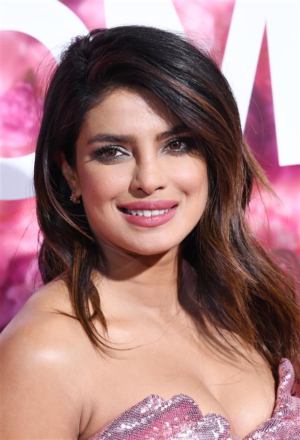 Priyanka Chopra'nın Dünden Bugüne Güzellik Görünümleri