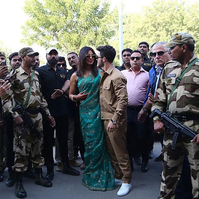 Priyanka Chopra'nın Günler Süren Düğününde Giydiği Tüm Elbiseler
