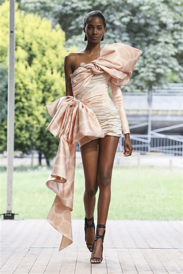 Redemption Couture Sonbahar/Kış 2019 Tasarımlarından Büyüleyen Detaylar