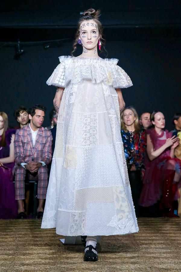Rengarenk Tasarımlarıyla Viktor&Rolf Haute Couture İlkbahar/Yaz 2020 Koleksiyonu - Rengarenk Tasarımlarıyla Viktor&Rolf Haute Couture İlkbahar/Yaz 2020 Koleksiyonu