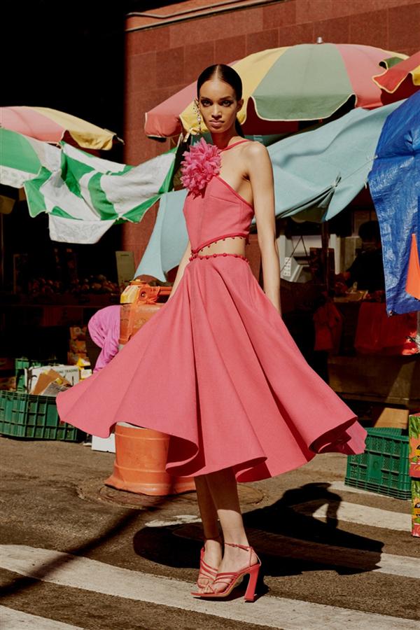 Renkli Cazibe: Prabal Gurung Resort 2022 Koleksiyonu