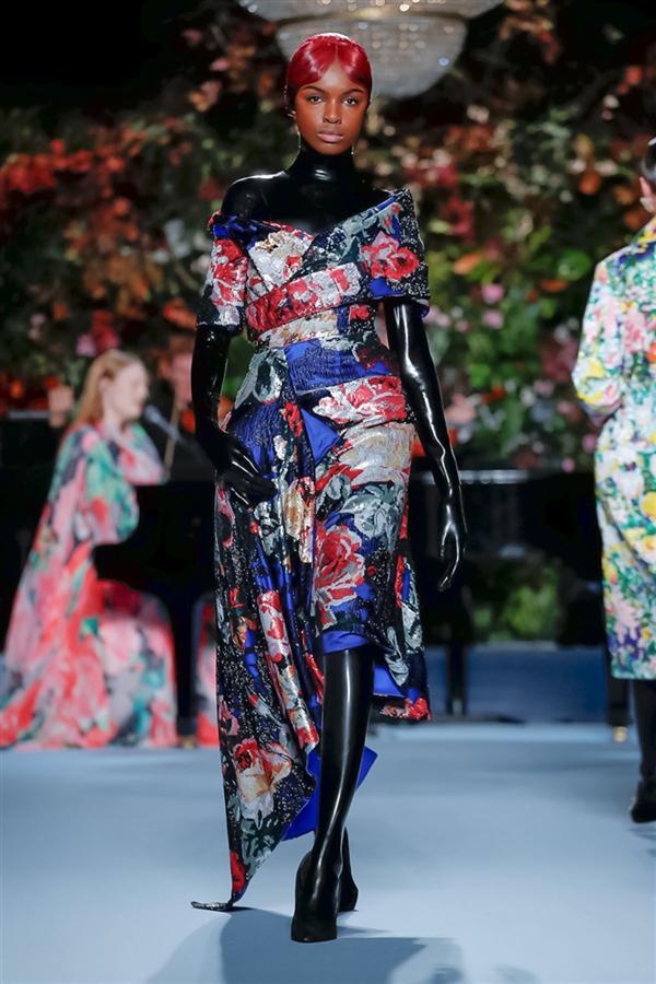 Richard Quinn Sonbahar/Kış 2019 Tasarımlarından İlgi Çeken Detaylar