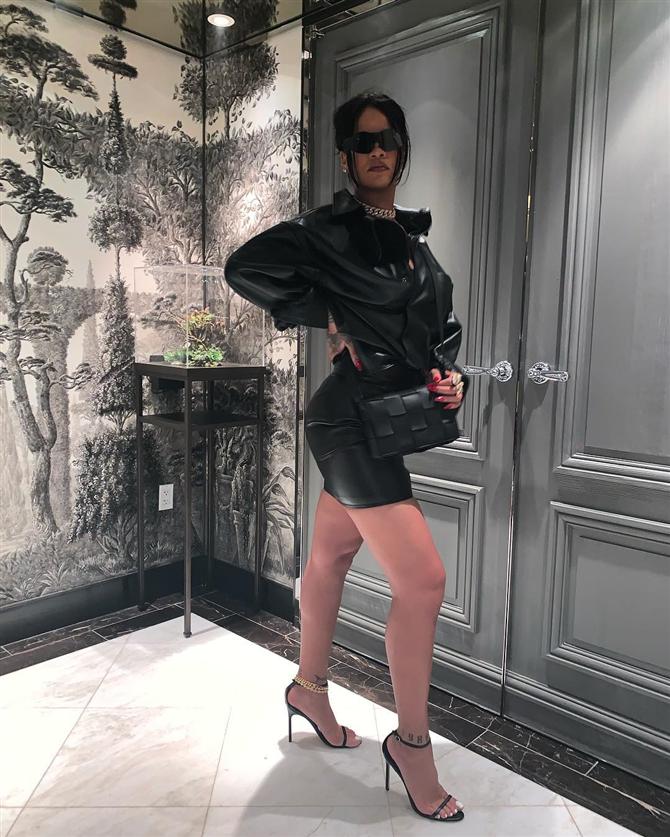 Rihanna'dan Göz Kamaştıran Fenty Kombinleri