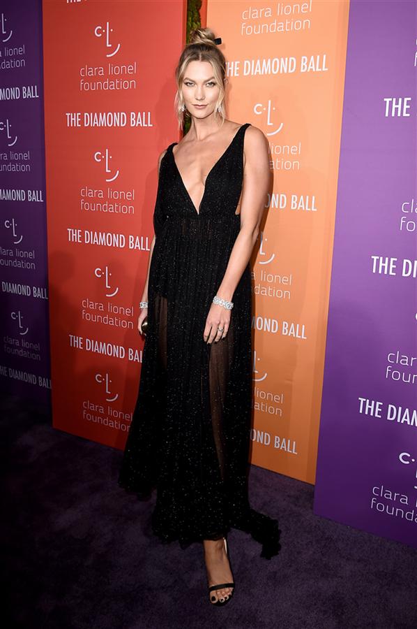 Karlie Kloss - Rihanna'nın Ev Sahipliğinde 2019 Diamond Ball Davetlileri Göz Kamaştırdı
