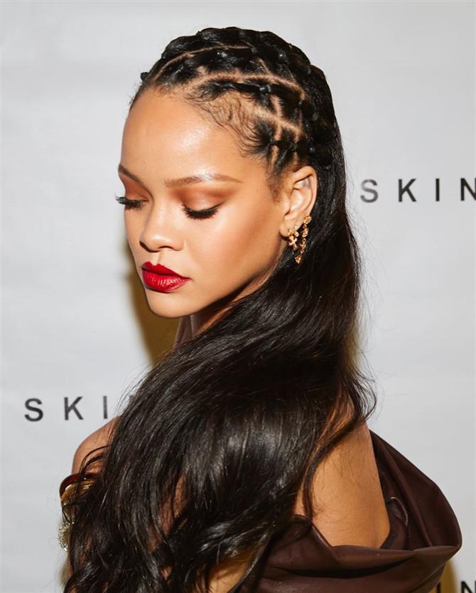 Rihanna'nın Fenty Skin Tanıtımındaki Muhteşem Dönüşü