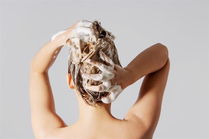 Her duşta mutlaka saç kremi kullanın!