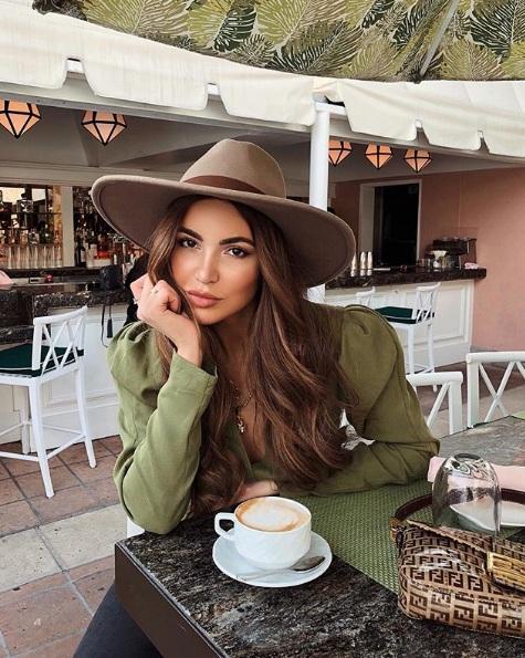 Şapka Stilleriyle İlham Veren Instagram Kareleri