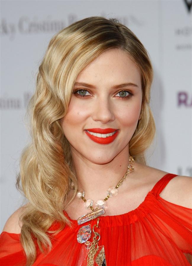 Scarlett Johansson'ın En İyi Güzellik Görünümleri