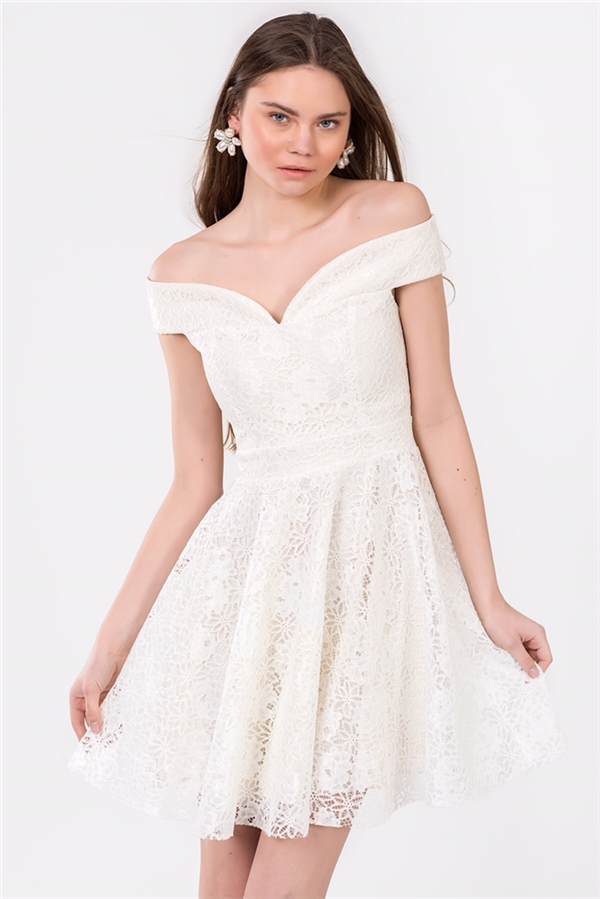 Şimdi Trend Söz ve Nişanda da Beyaz Giymek!